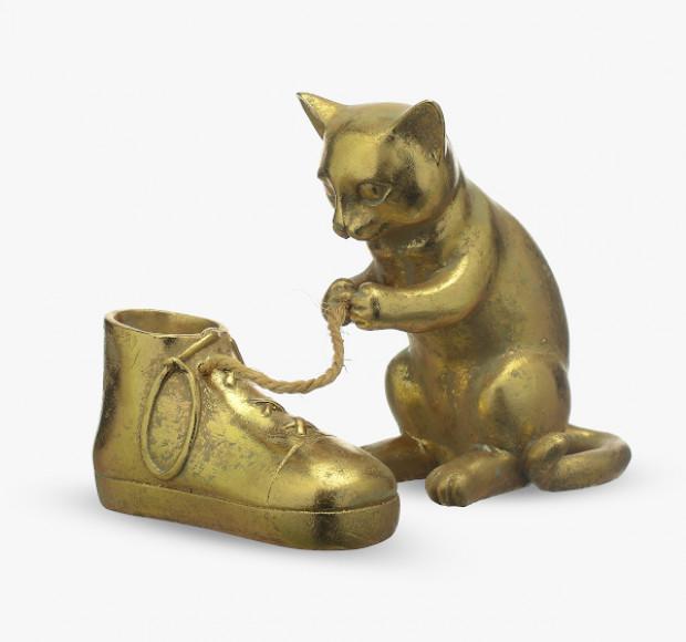 Статуэтка Кошка с башмачком золотистая