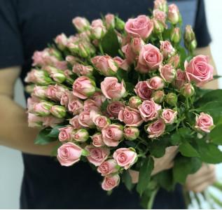 Букет из 21 кустовой розы