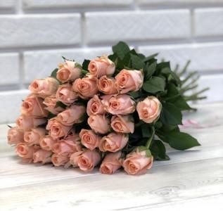 Букет из 29 персиковых роз