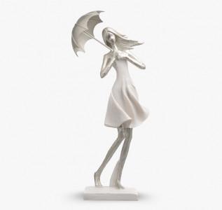 Статуэтка Девушка в  смущении под зонтом