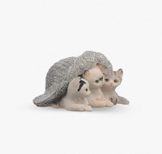 Статуэтка Котята под шляпой