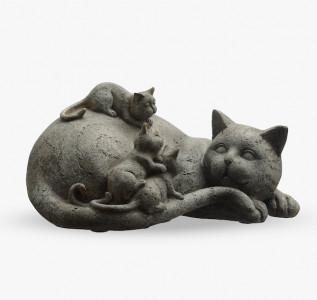 Статуэтка Кошка с котятами-малышами