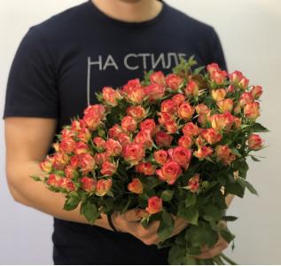 Букет Красная кустовая роза 15