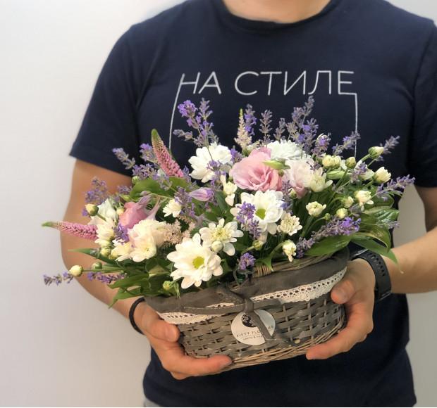 Композиция в корзинке на стол Танец цветов