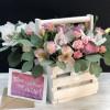 Цветы в деревянных ящиках