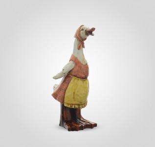 Статуэтка Гусыня в платке и фартуке